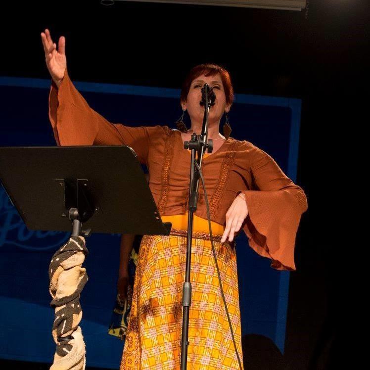 Susan Justiano performing
